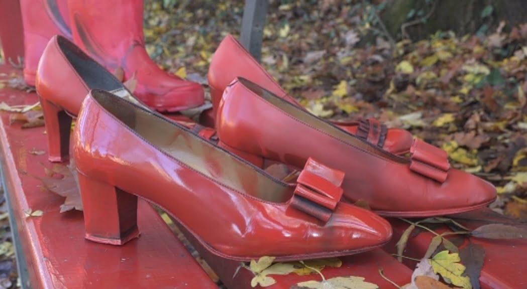 25 novembre scarpe rosse per la giornata internazionale contro la violenza sulle donne tv qui modena 25 novembre scarpe rosse per la